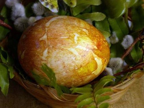 onion_dyed_egg.jpg