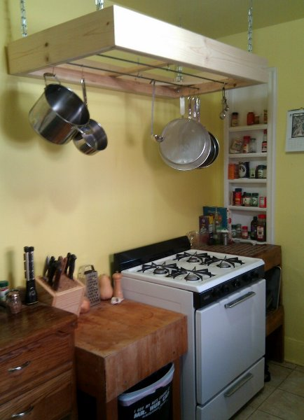 diy_overhead_kitchen_rack.jpg