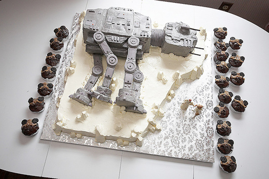 At_At_Wedding_Cake_Star_Wars.jpg