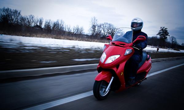 maker-faire-detroit-electric-motorscooter.jpg