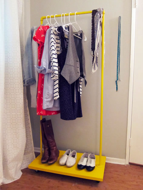 how_to_rolling_clothes_rack.jpg