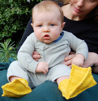 knit_baby_duck_booties.jpg