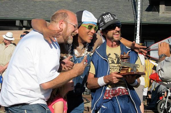 handcar-regatta-delirium-crew.jpg