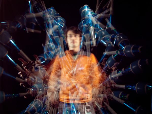 stroboscope_luigi_juggling1.jpg