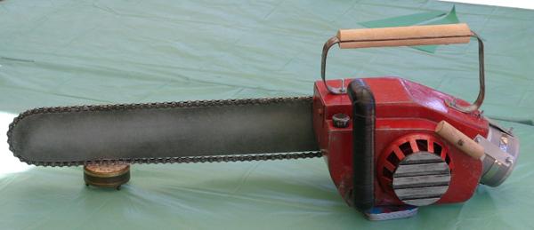 chainsaw3.JPG
