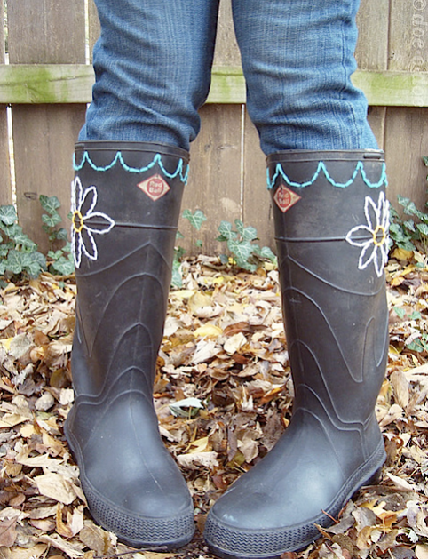 flickr_embroideredboots.png