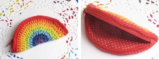 crochet_rainbow_coin_purse.jpg