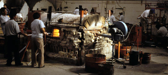 guatemalan_glass_blowing3.jpg