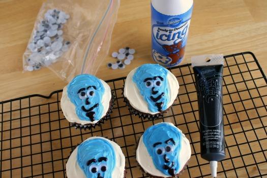 Megamind-Birthday-Party-Cupcakes.jpg