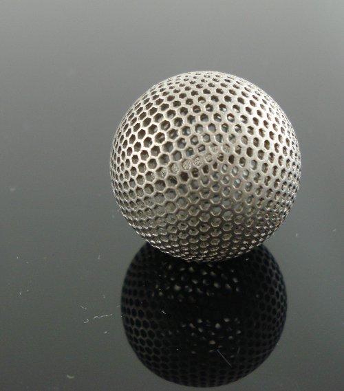 Titanium-3D-printing-by-imaterialise-Titanium-letter-ball.jpg