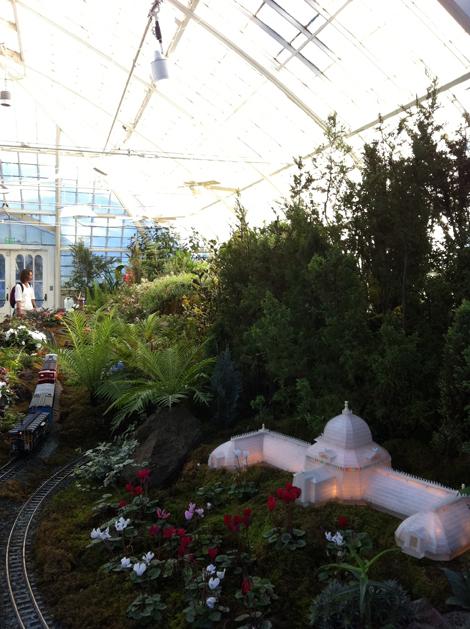 gardenrailway2.JPG