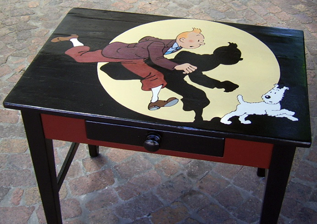 tintin_painted_desk.jpg