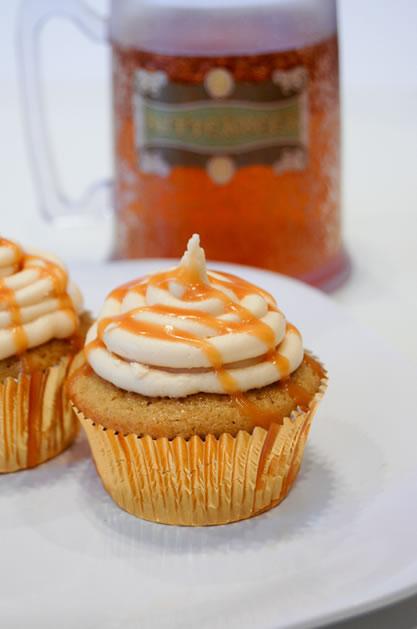 butterbeer_cupcakes.jpg