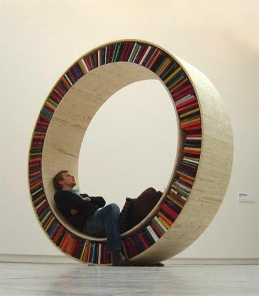 04-circular-bookshelf.jpg