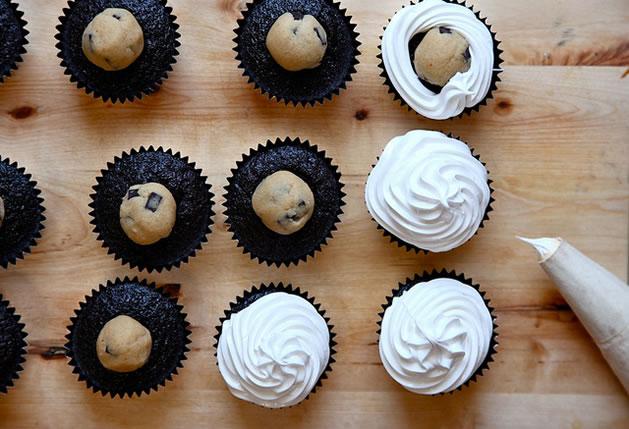 cookie_dough_marshmallow_cupcakes.jpg