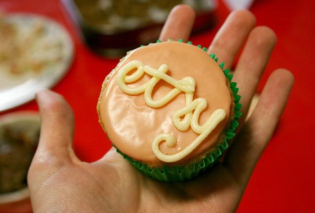 Etsy_cupcake.jpg