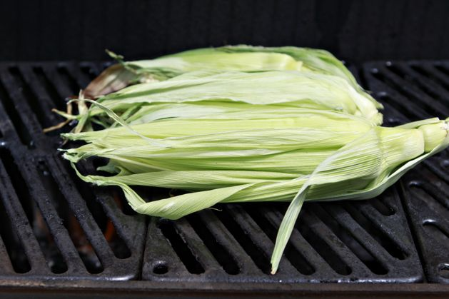 kitchen101-howtogrillcorn-cornongrill.jpg