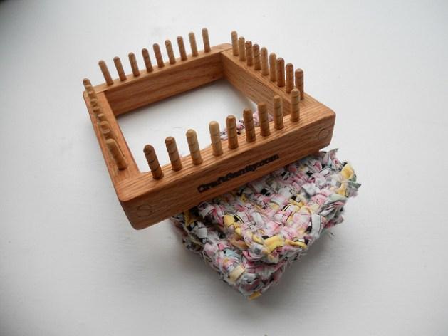 craftsanity_loom.jpg