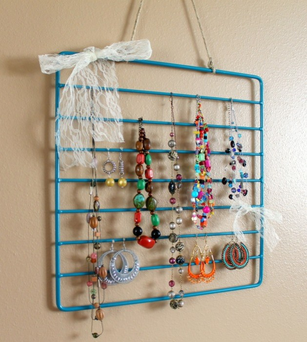 Thumbnail image for jewelry-rack-tut-012.jpg