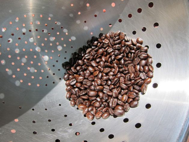 roasting-coffee-colander.jpg