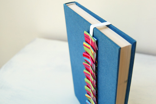 ruffled_ribbon_bookmark.jpg