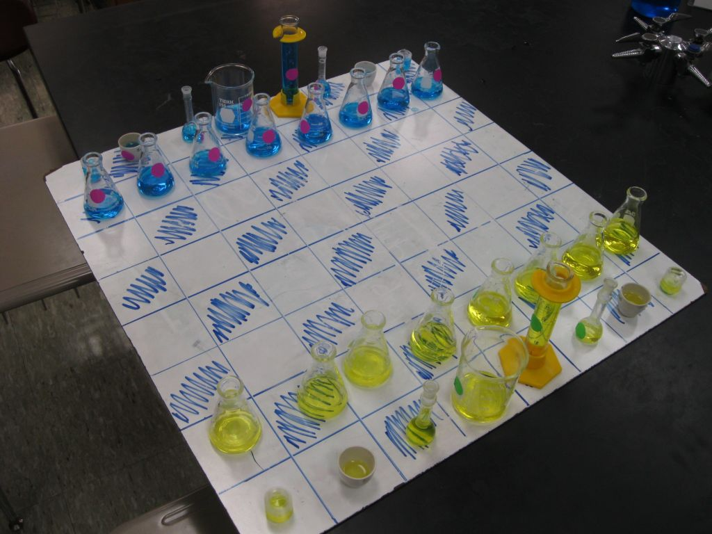 Chess board made from chemistry glassware make - Tri dimensional chess board ...