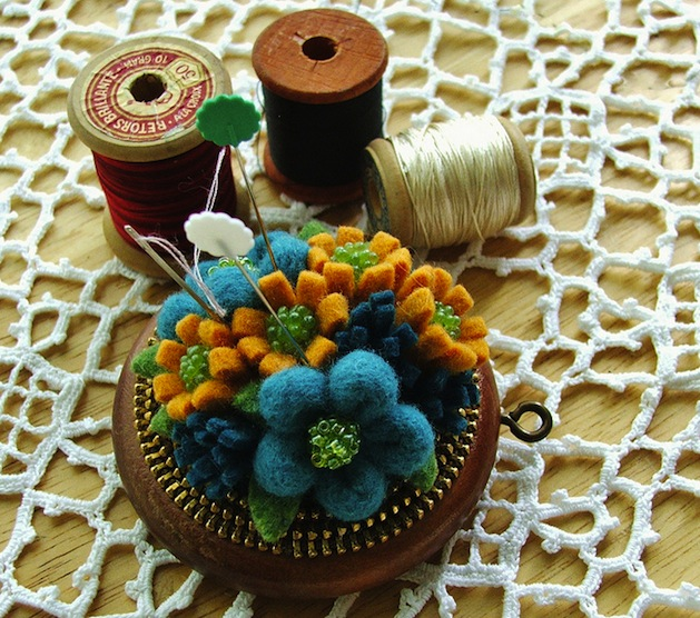 pincushion_woolyfabulous_flickr_roundup.jpg