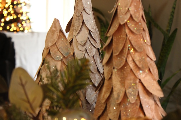craftberrybush_cardboard_christmas_tree.jpg