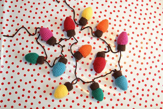 crochet_christmas_lights.jpg