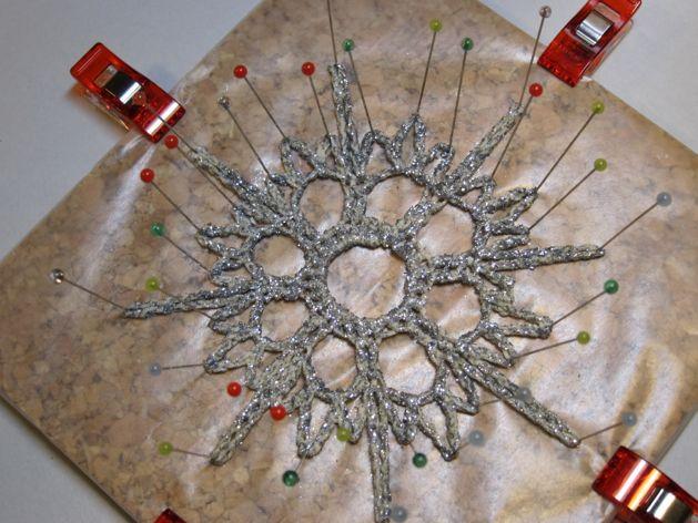 Crocheted_Snowflake_Ornaments_Step8.jpg