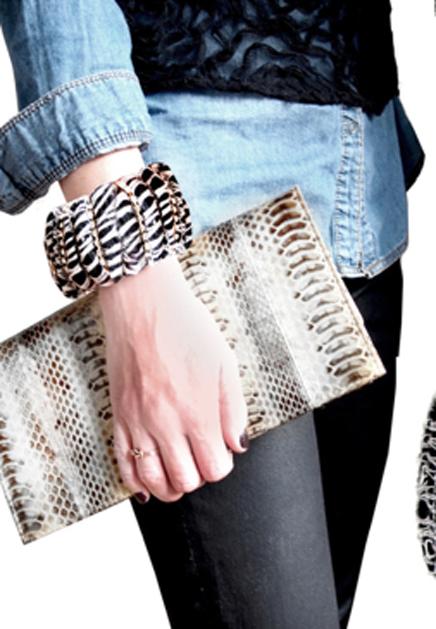 DIY chunky yarn bracelet.jpg