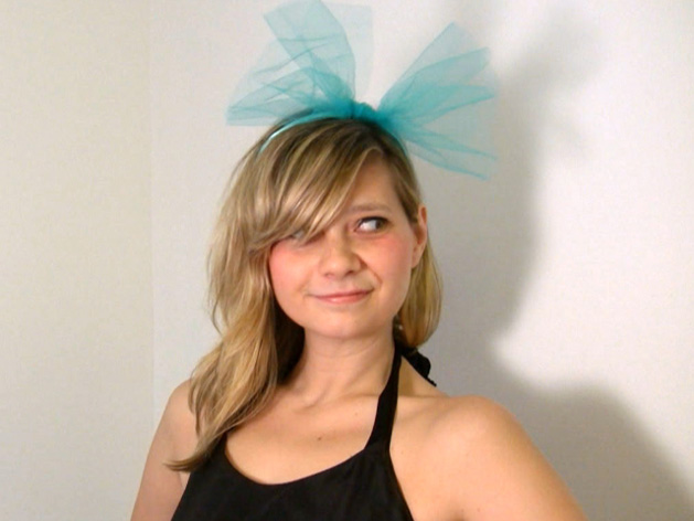 DIY headband holiday accessory-blue tulle.jpg