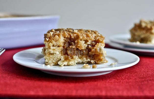 eggnog_breakfast_crumble_cake.jpg