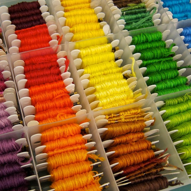 organized_embroidery_floss_flickr_roundup.jpg