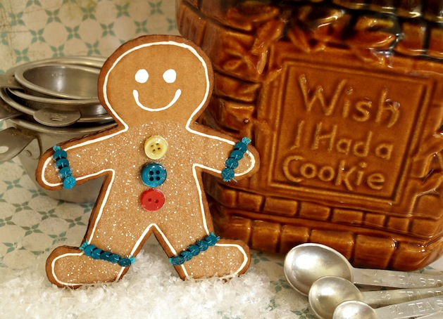 papernstitchblog_cardboard_gingerbread_man.jpg