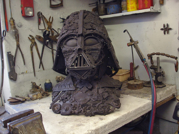 scrap_metal_darth_vader.jpg