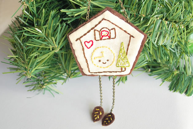 wild_olive_cuckoo_clock_ornament.jpg