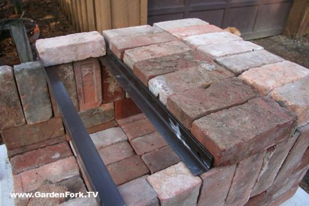 Knock Down Pizza Oven From Bricks Scrap Iron Make