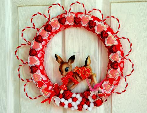 kitsch_valentine_wreath.jpg