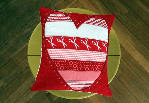 quilted_heart_pillow_maureen_cracknell.png