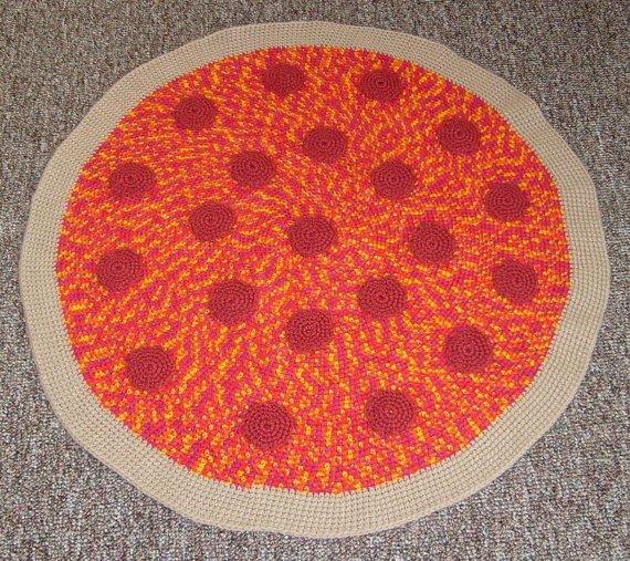 crochet-pizza-rug-2.jpg