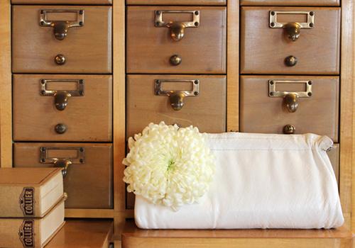 designsponge_diy_fresh_flower_pin_.jpg