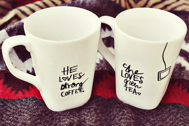 abeautifulmess_his_her_sharpie_mugs.jpg