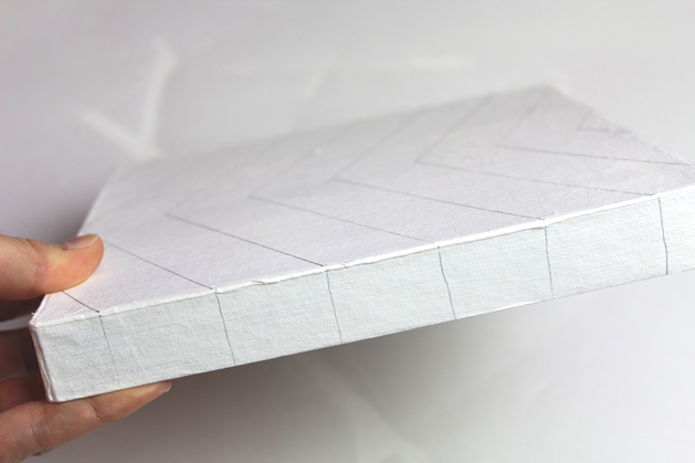 20-lines on the side of the lid.jpg