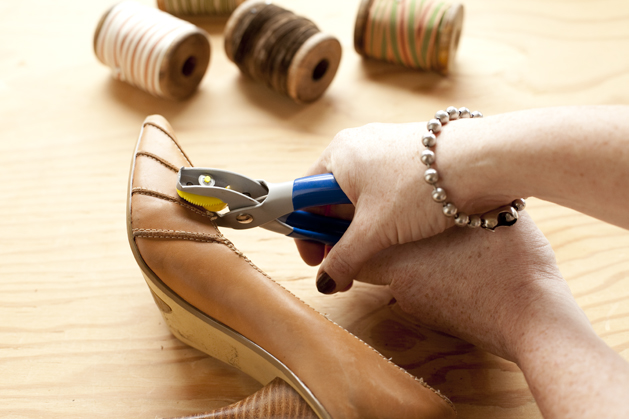 craftzine_laced_stilettos_04.jpg