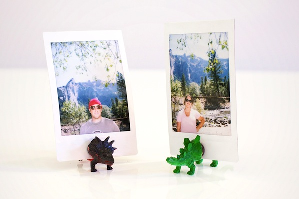 photojojo_dinosaur_photo_holders