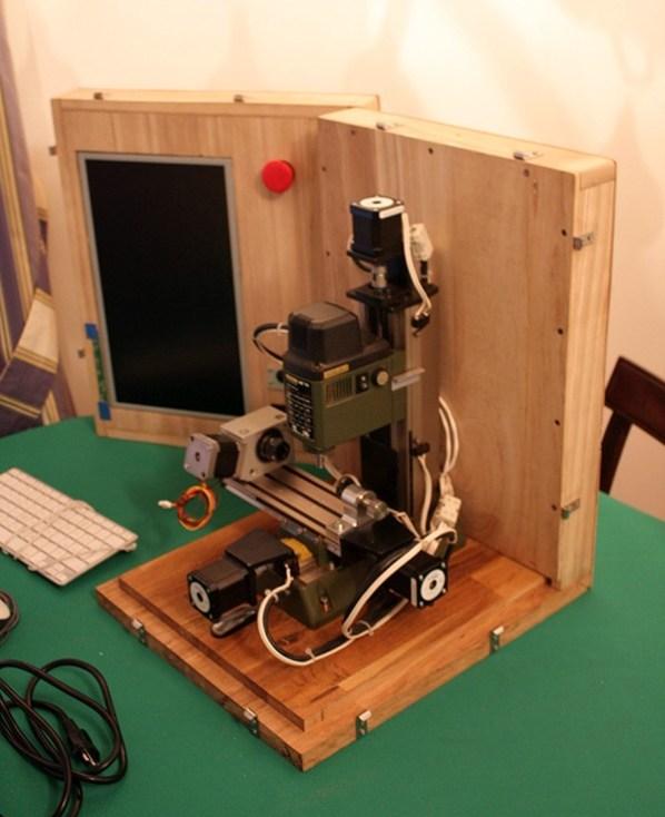 Portable-CNC-in-a-Box_7544