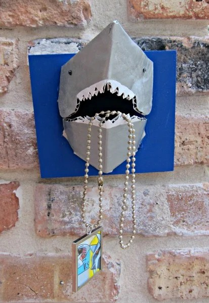 dollarstorecrafts_shark_jewelry_holder