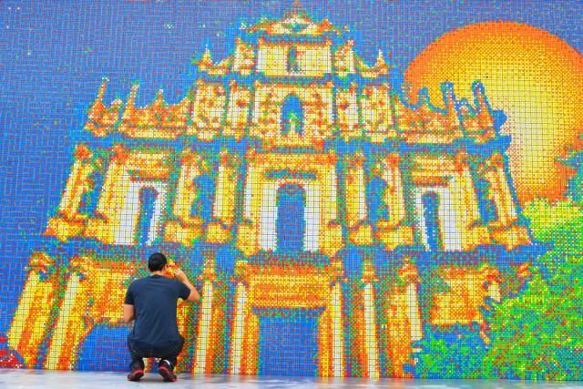 Macau-Mural-Left-Section1