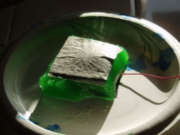 how to make a simple microbial fuel cell